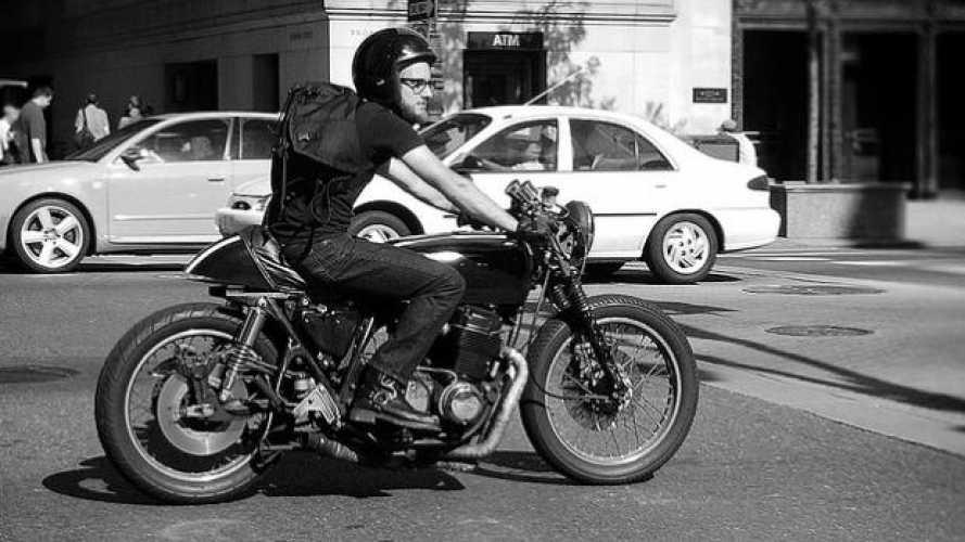 Chi va a lavoro in moto vive meglio