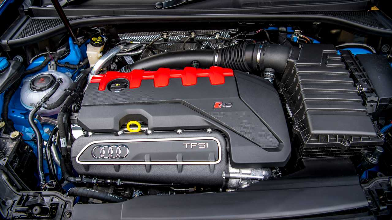 Audi Q3 RS 2.5 TFSI 5 cilindri quattro S tronic Performance