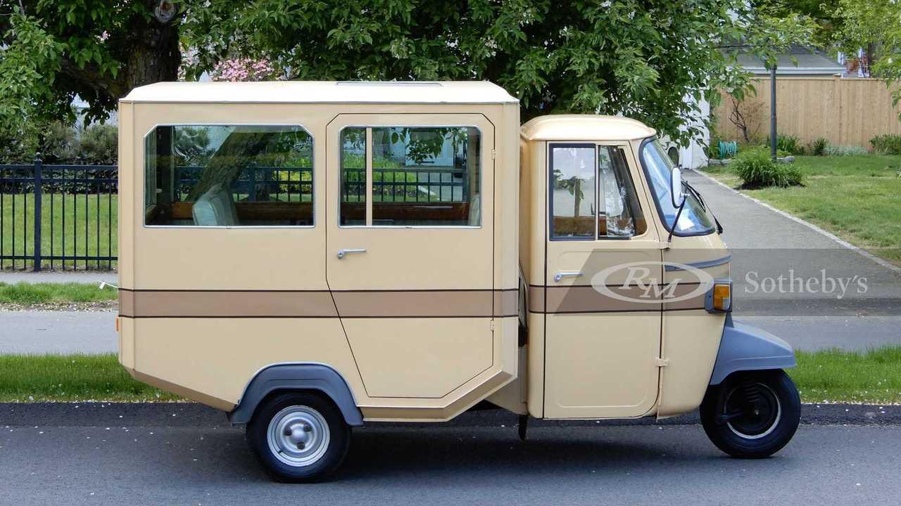 1978 Piaggio Ape Limousine Pavesi