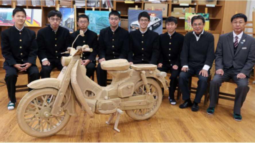 This Life-Size Honda Super Cub Is A 3D Cardboard Sculpture