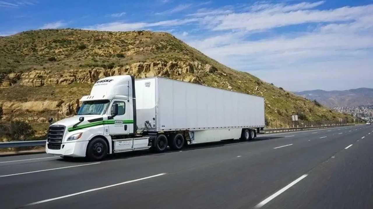 Freightliner eCascadia - Penske Truck Leasing fleet