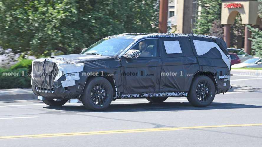 Jeep, Grand Wagoneer'ın ilk teaser'ını yayınlamış olabilir