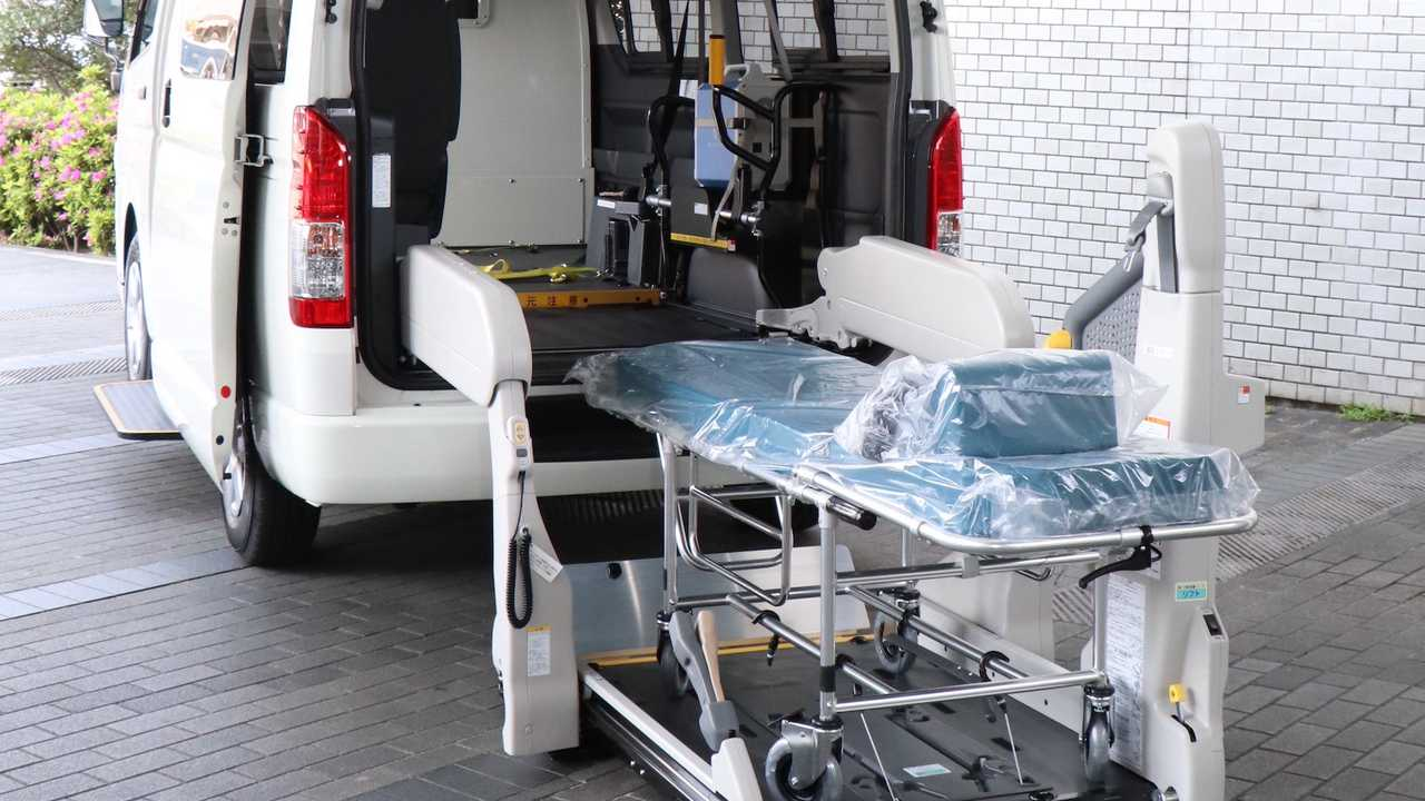 Toyota Hiace For Seriously Ill Patients