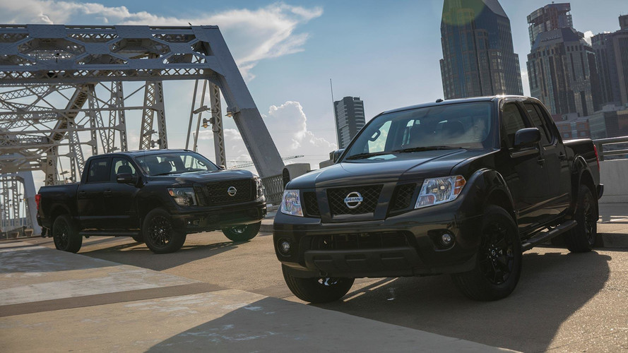 Nissan Titan, Frontier Go Dark By Offering Free Midnight Edition