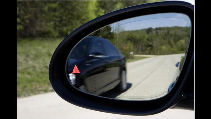 Mercedes: Neue Technik soll den toten Winkel entschärfen