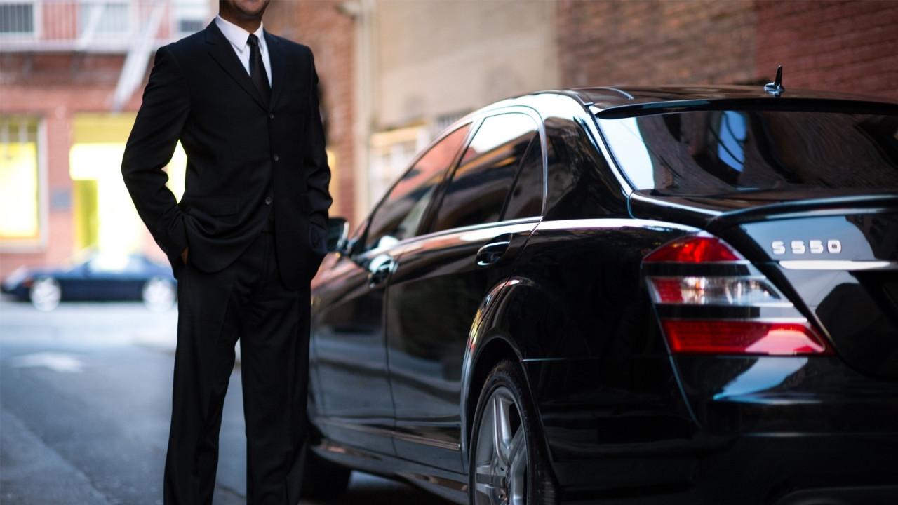 [Copertina] - Riforma regole Uber, tutto rimandato al 2018