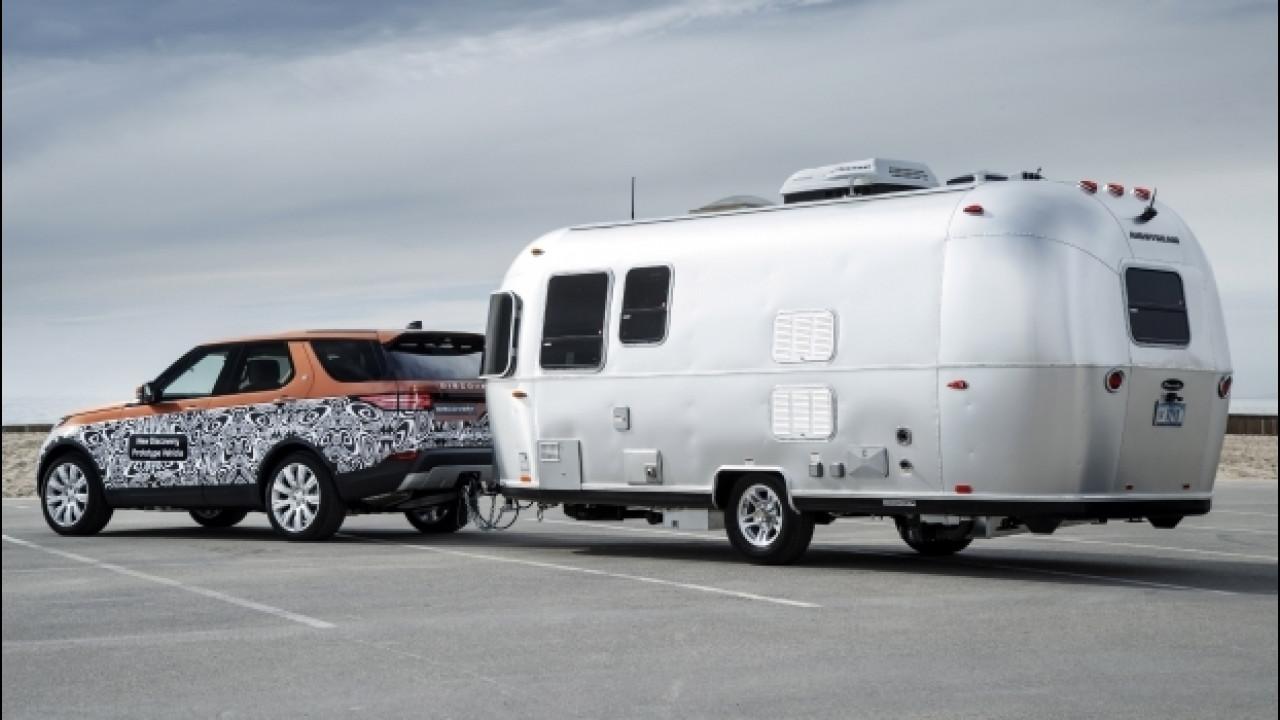 [Copertina] - Land Rover Discovery, traino a guida semiautonoma [VIDEO]