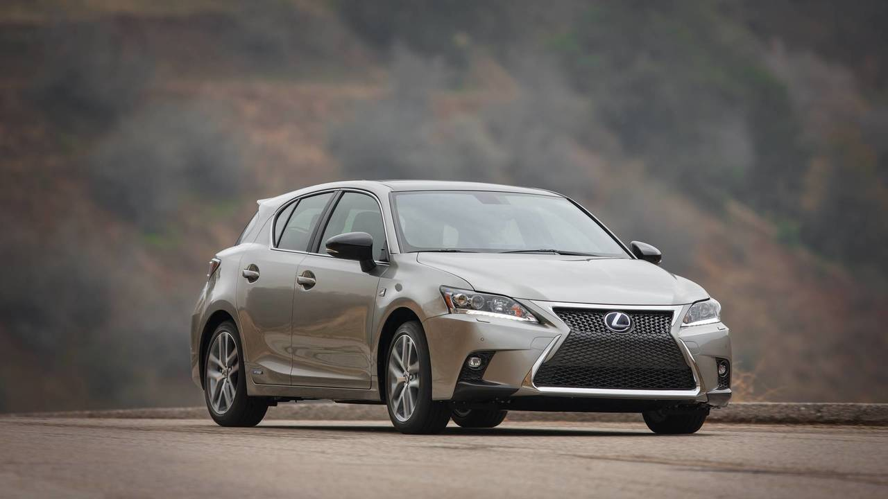 13. Luxury Hybrid Car: Lexus CT 200h.