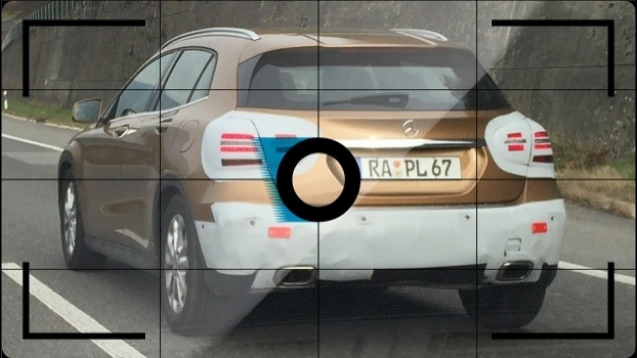 [Copertina] - Mercedes GLA restyling, le foto spia in autostrada