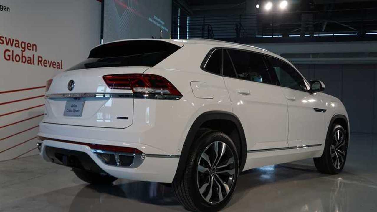 2020 Vw Atlas Cross Sport Debuts Brings Coupe Look To Large Suv