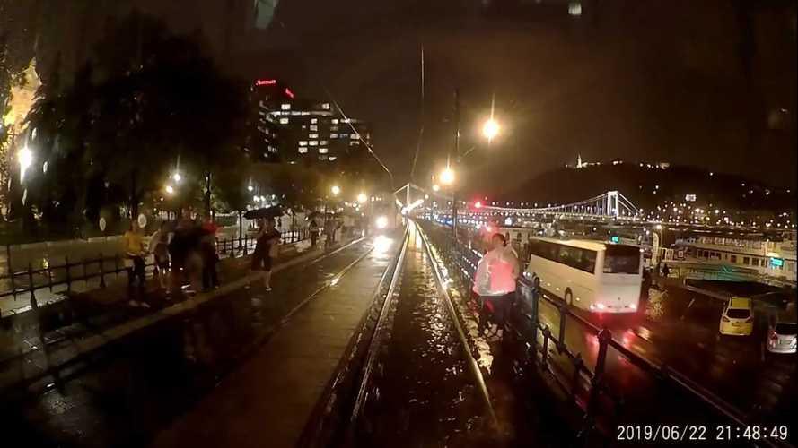 Tízperces videó arról, milyen villamosvezetőnek lenni Budapesten
