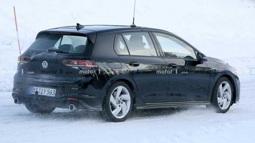 Novo Volkswagen Golf GTI - Flagra