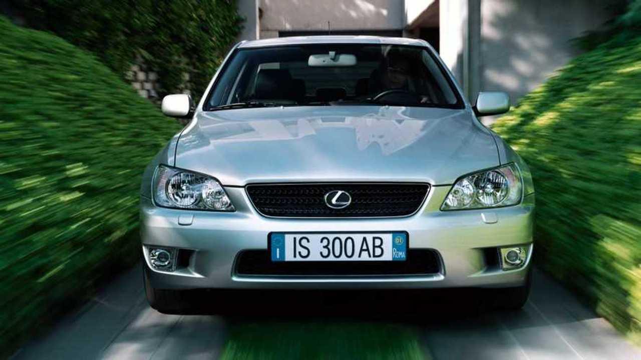 Lexus, 30 anni di storia