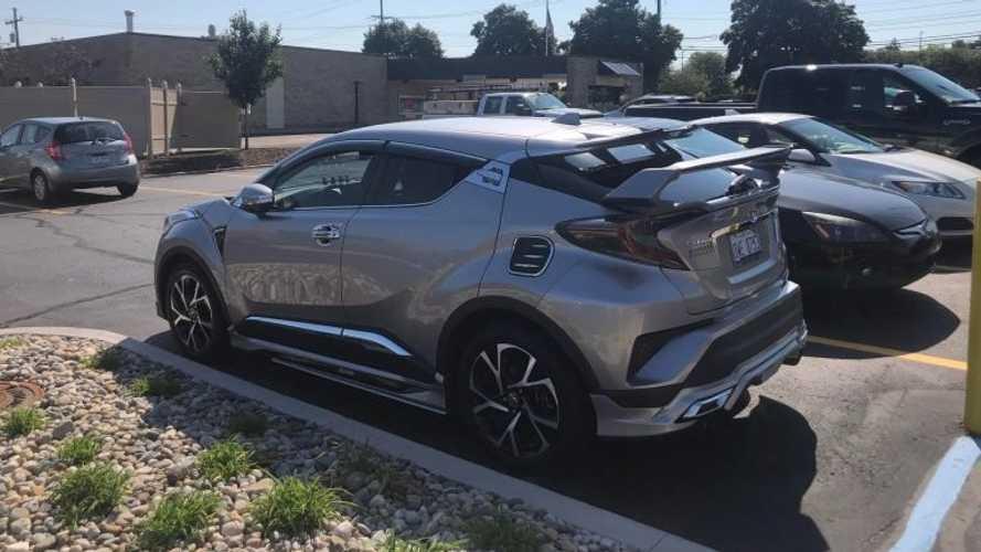 Este Toyota C-HR tuneado tiene un diseño... peculiar