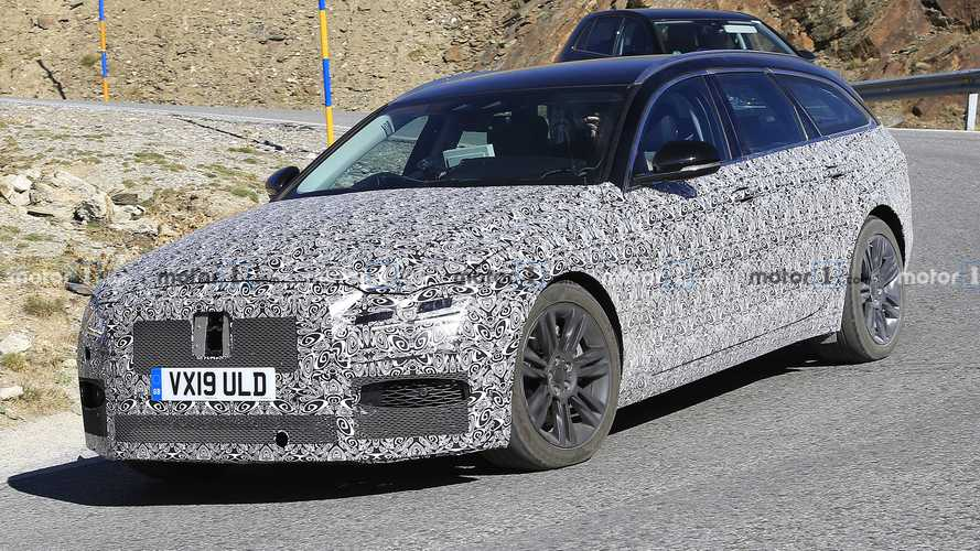 Jaguar XF Sportbrake spied still covered in camouflage