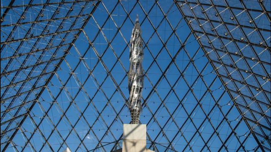 Mercedes-Benz presenta la nuova scultura di Wim Delvoye per il Louvre