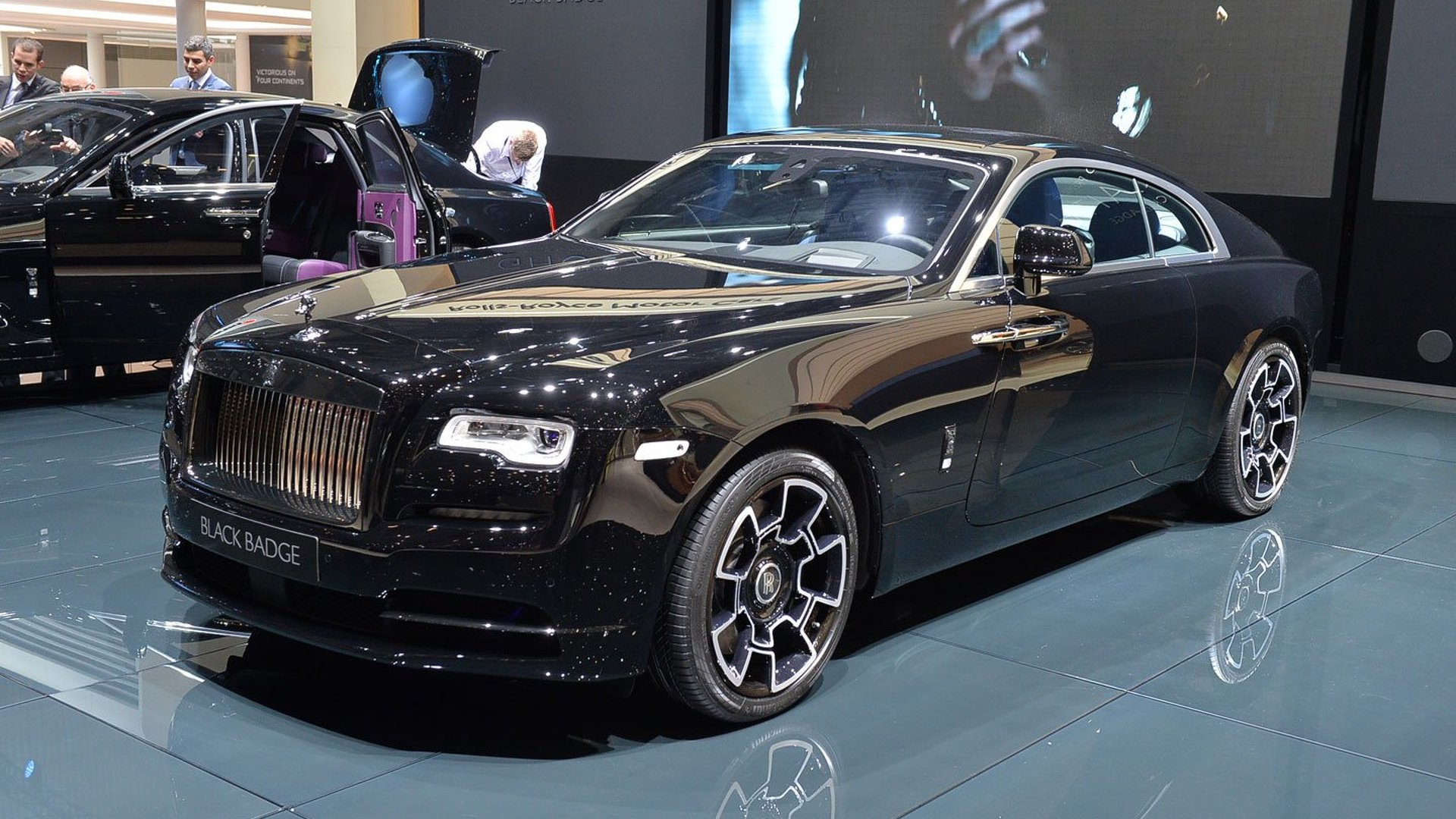 Rolls Royce Ghost Wraith Gain Bespoke Black Badge Editions