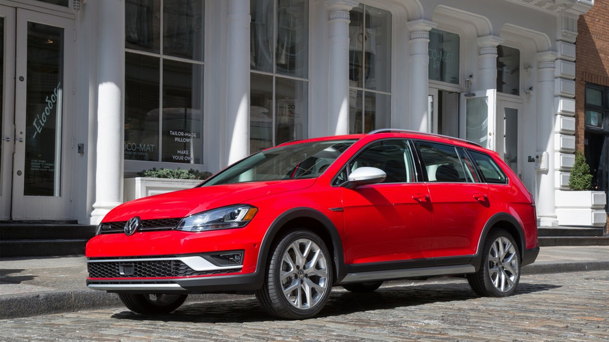 Production 2017 VW Golf Alltrack US Spec heading to New York