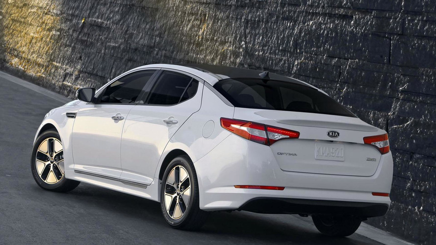 2013 Kia Optima Hybrid revealed with an upgraded powertrain