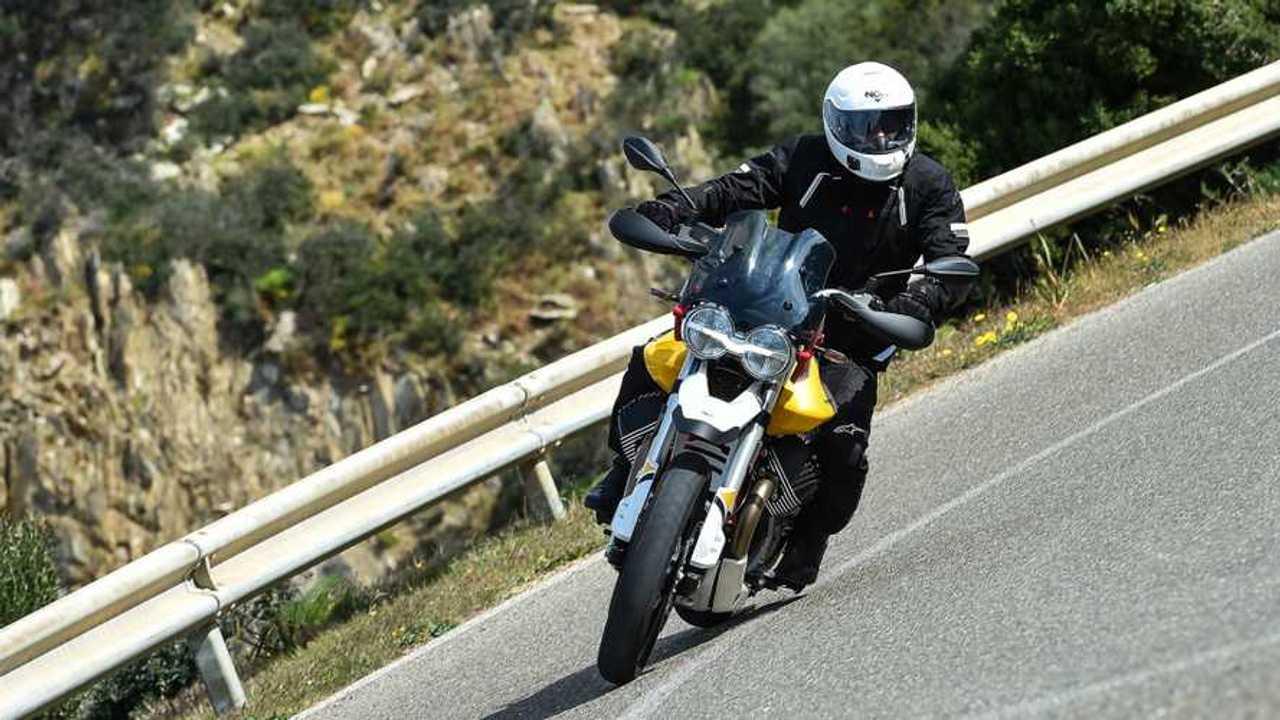 Moto Guzzi V85 TT - TEST