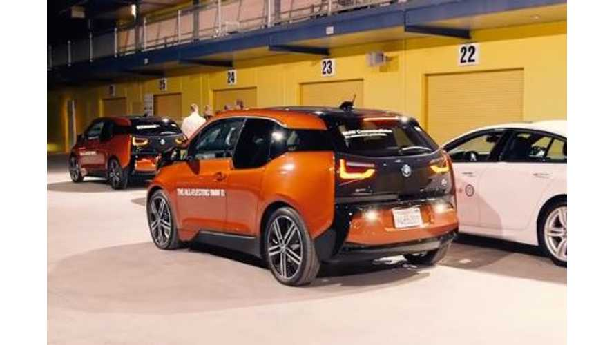 Video: BMW i3 Parallel Parks Itself With the Push of a Button