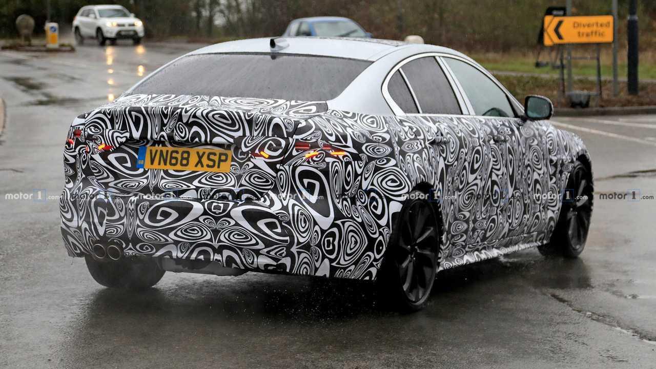 Jaguar XE 2020 photo espion