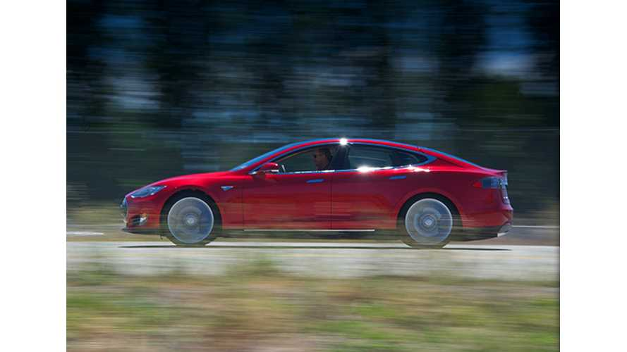 Video: The Fast Lane Car Proves Tesla Model S P85+ Does 0-60 MPH Quicker With Traction Control Off