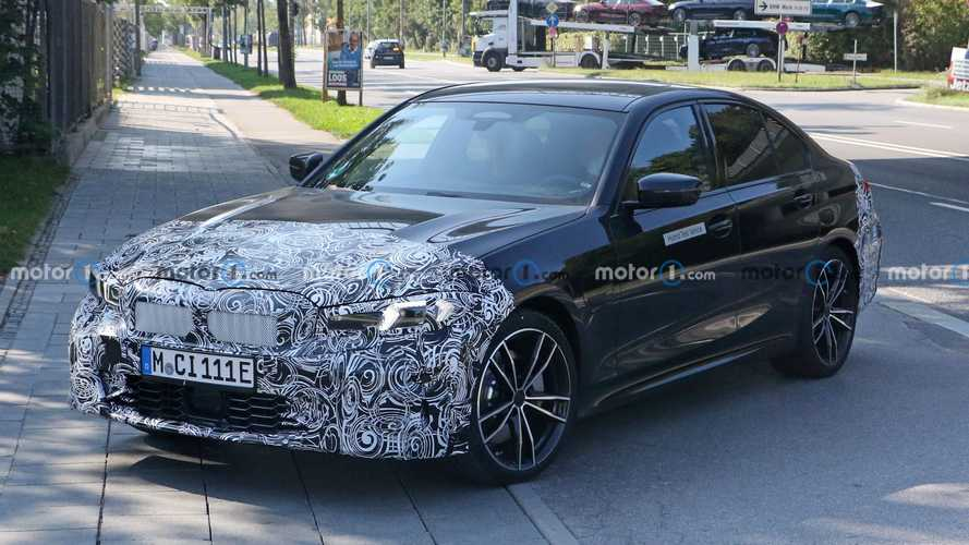 BMW 3 Series Facelift Spied With Plug-In Hybrid Powertrain