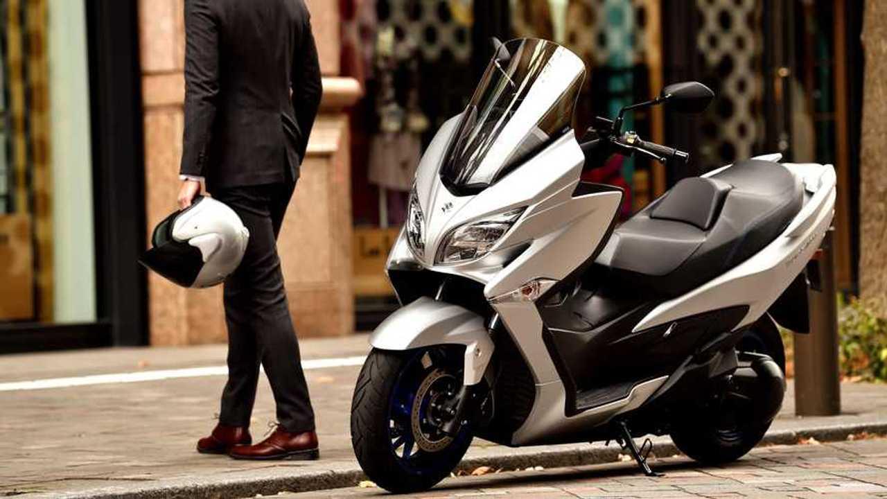Suzuki Burgman 400 2021 estrena imagen y tecnología