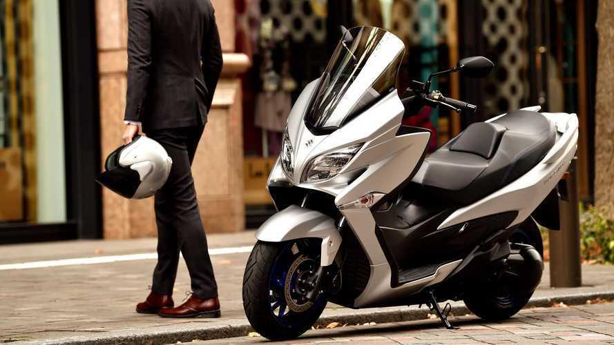 Suzuki Burgman 400 2021: Skuter Maxi yang Irit dan Rendah Emisi