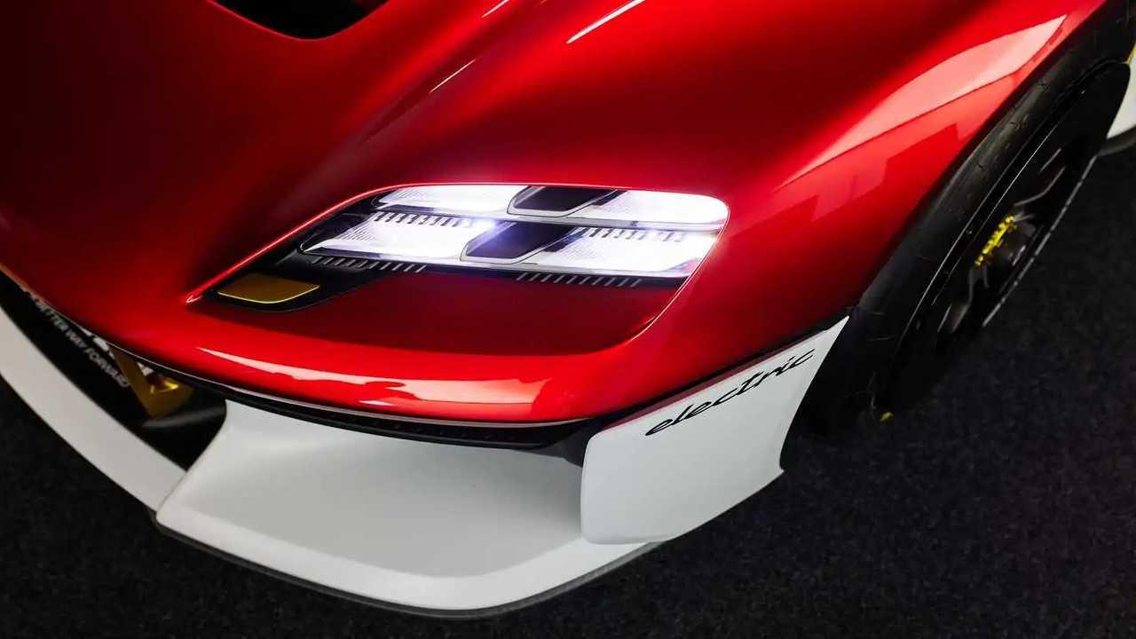 Porsche Cayman e Boxster diventano elettriche dal 2024