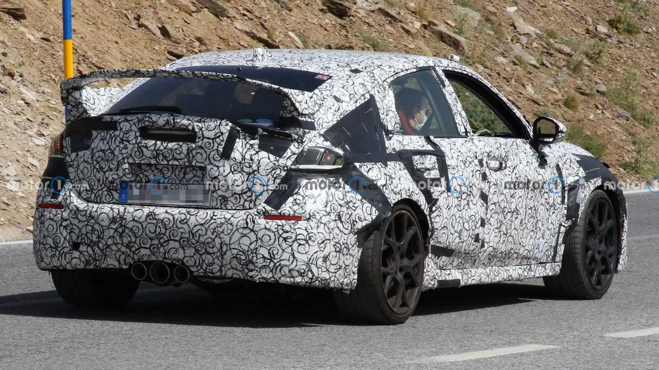 Der Honda Civic Type R 2022 bei Erprobungsfahrten in Südeuropa