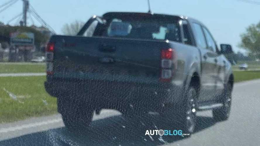 Flagra: Ford Ranger testa versões Ranger FX4 e XL 3.2 na Argentina
