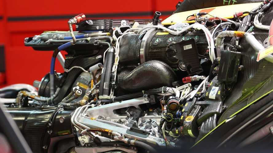 Rivoluzione Ferrari: ibrido ad alta tensione e batteria allo stato solido