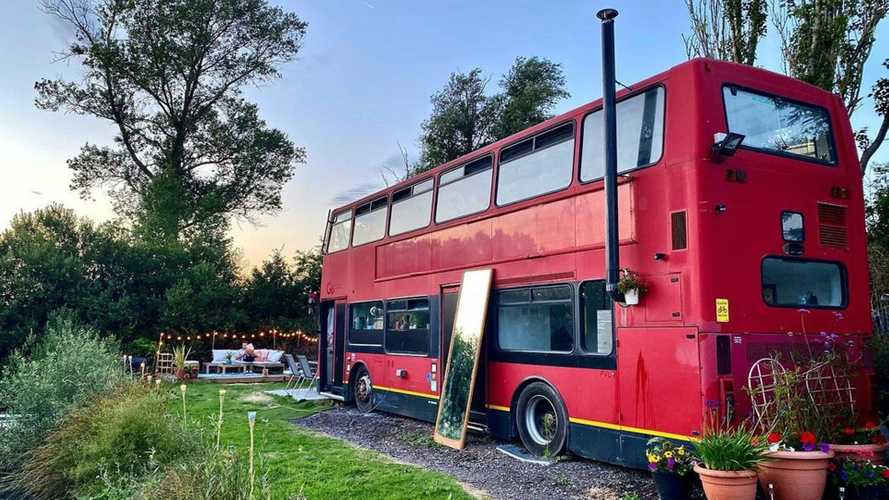 Retired double-decker bus lives second life as epic two-story home