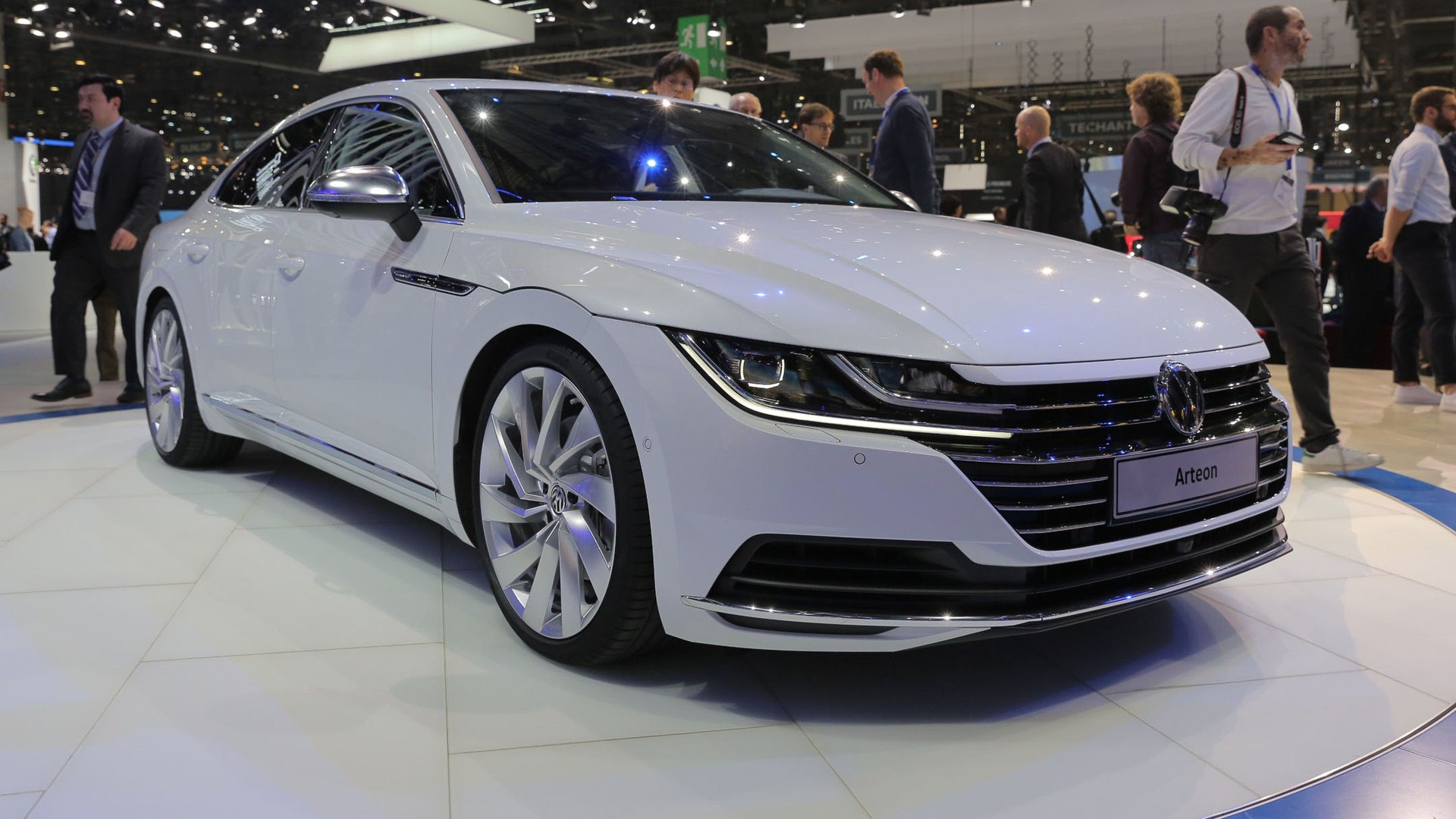 VW Arteon Usa >> Vw Arteon Can Now Be Ordered In Germany From 49 325