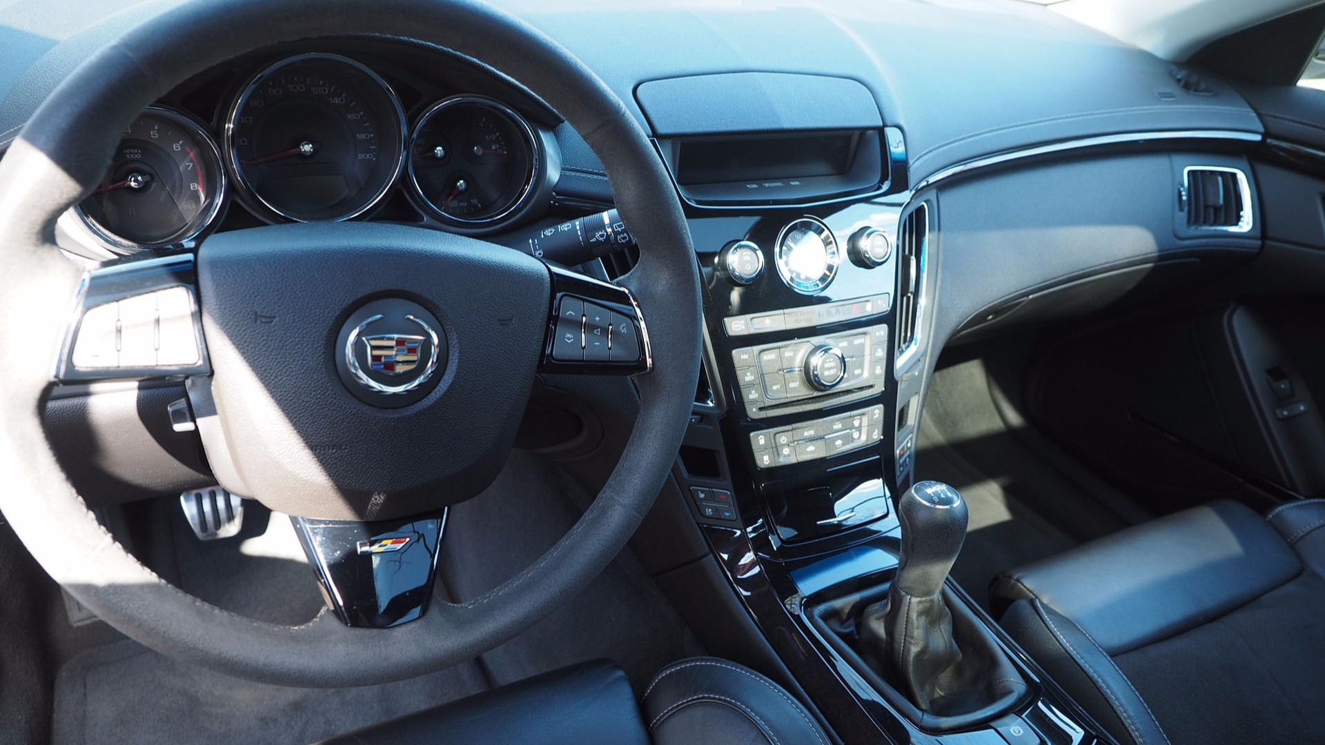 Score This Rare 2012 Cadillac Cts V Manual Wagon While It S Affordable
