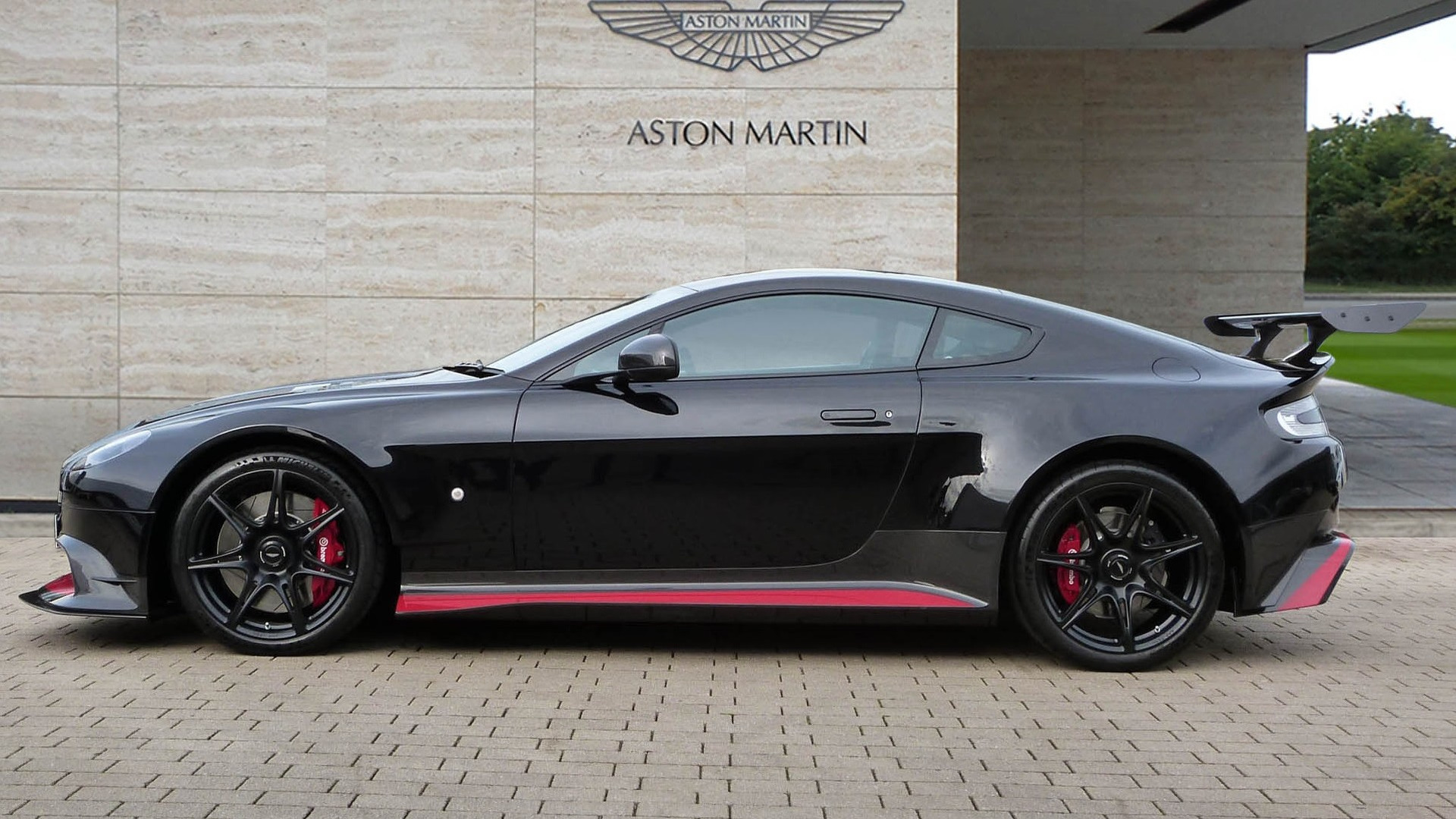 Aston Martin Gt8 >> Aston Martin Vantage Gt8 Costs Way More Now Than When It Was New