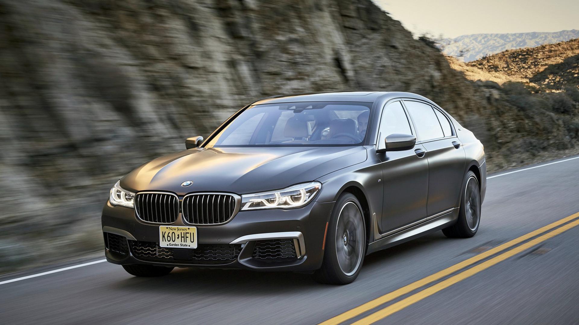 BMW rappelle la nouvelle M760Li à cause d'une fuite d'huile