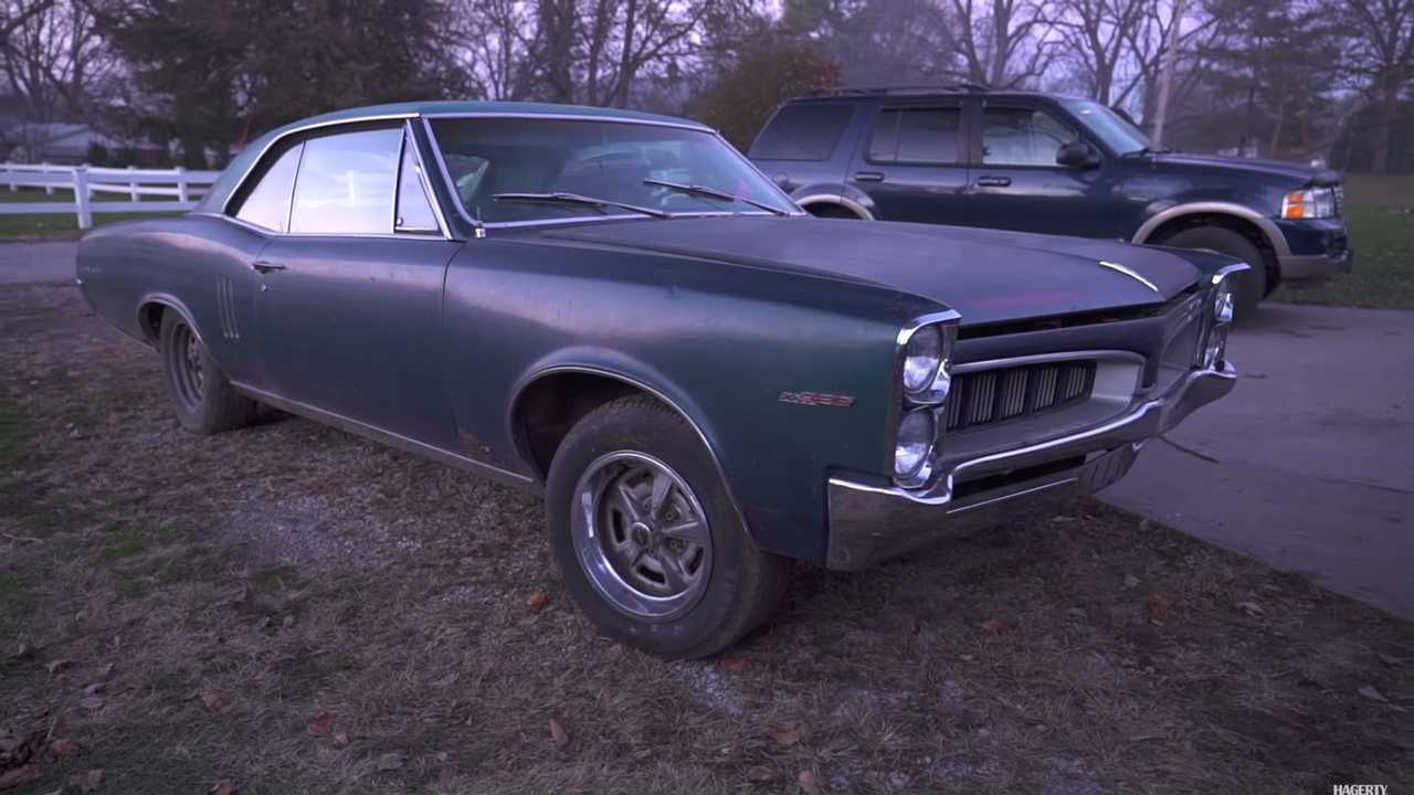 Group of Pontiacs discovered on Barn Find Hunters
