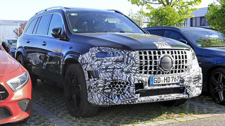2021 Mercedes-AMG GLS 63 SUV Spied With A Dirty Backside