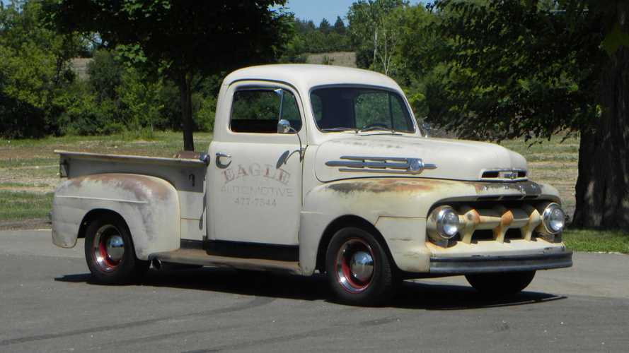 1952 Ford F1 Packs Surprising Performance