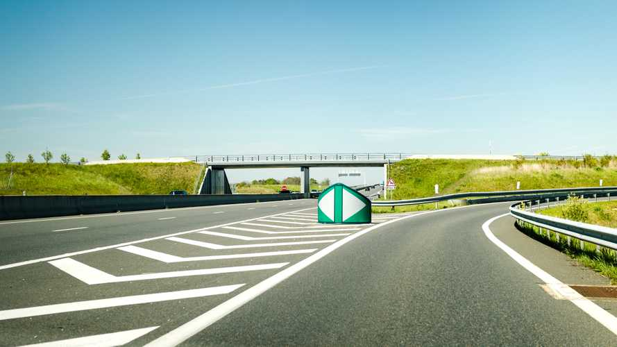 Vasárnaptól megszűnik Ausztriában a 140 km/h-s sebességhatár-kísérlet