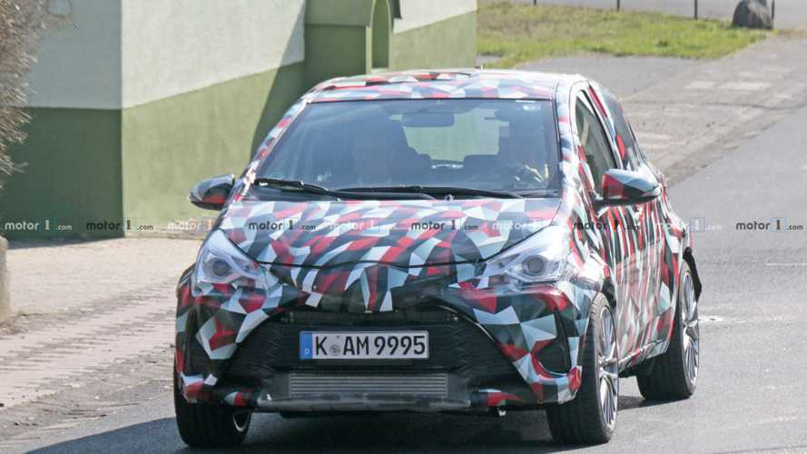 Toyota Yaris spy photos