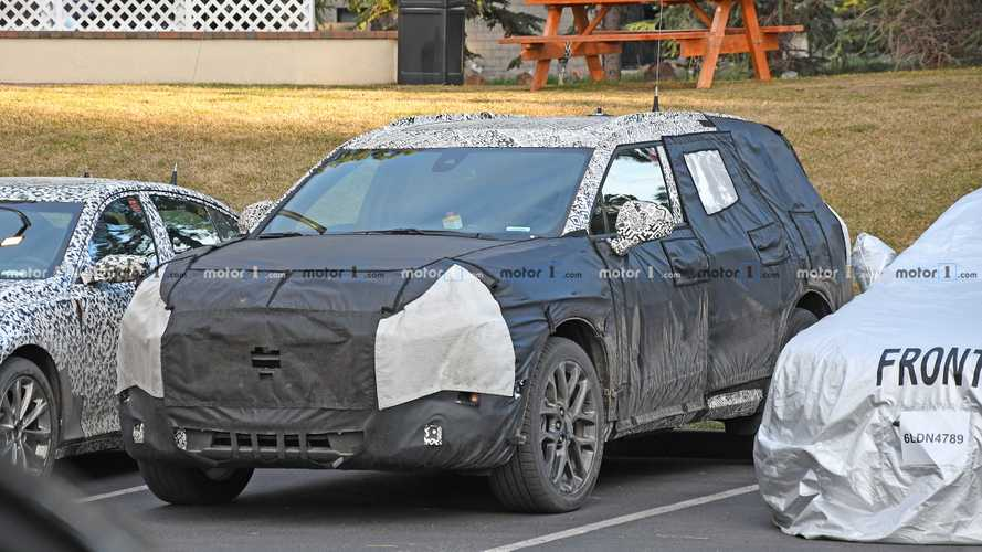 Chevrolet Blazer Three-Row SUV Spy Photos