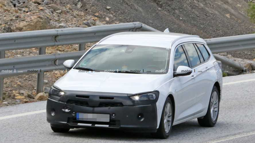 Vauxhall Insignia Sports Tourer spied hiding discreet facelift