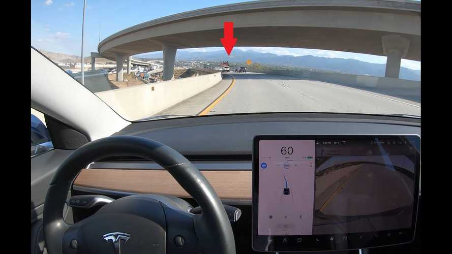 Remain Aware, Sometimes Tesla Autopilot Doesn't Perform As Expected