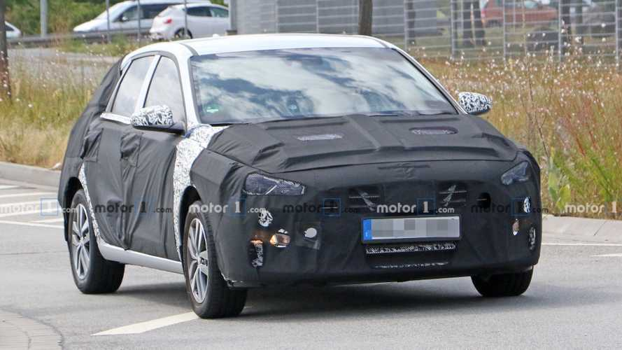Hyundai Elantra GT Facelift PHEV Caught In Spy Photos