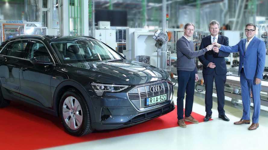 Átadták az első magyarországi Audi e-tront