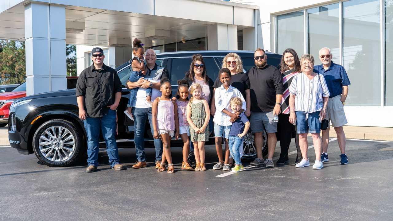 2020 Hyundai Palisade for 12-member family in Ohio
